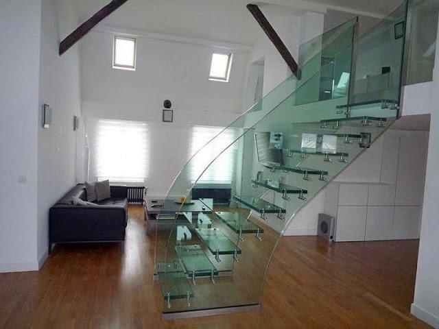 Thiết kế cầu thang kính đẹp, khác biệt - Mẫu số 6