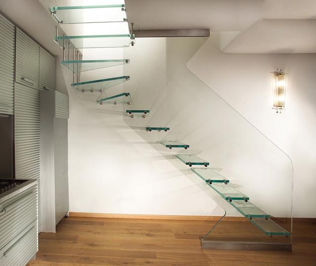 cầu thang kính đẹp - mẫu số 1