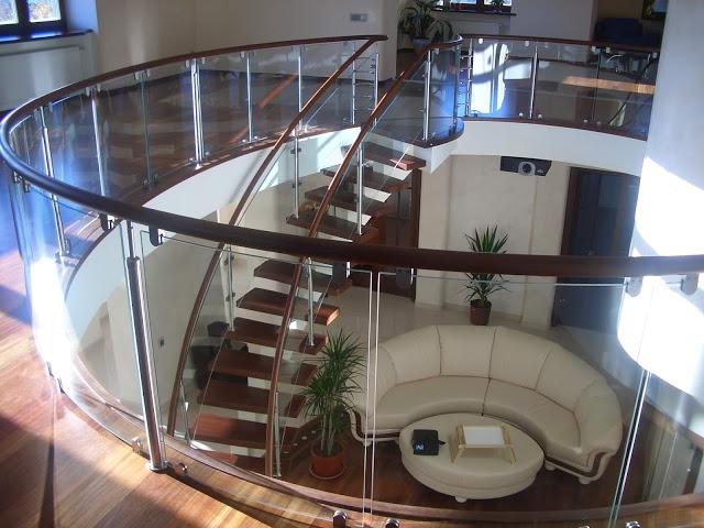 Thiết kế cầu thang kính đẹp, khác biệt - Mẫu số 10
