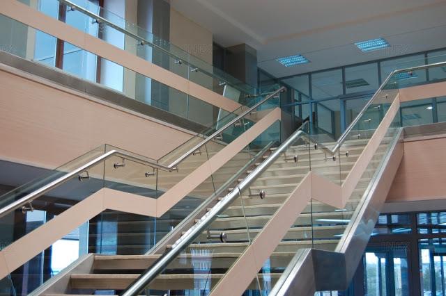 cầu thang bộ thông dụng - mẫu số 1