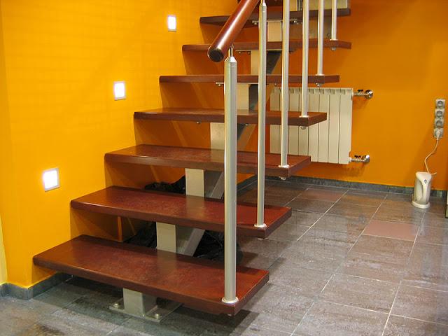 cầu thang bộ thông dụng - mẫu số 4