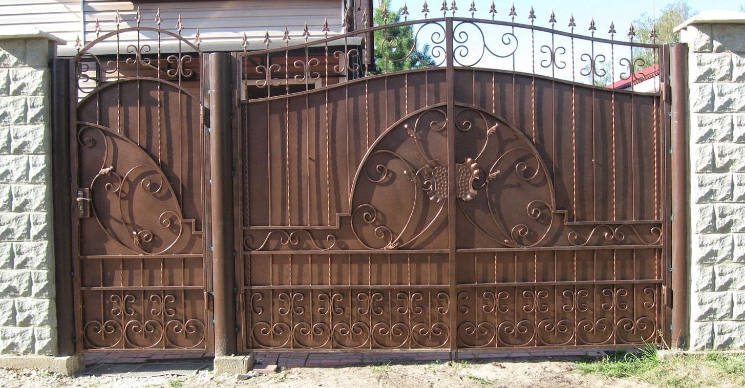 cổng sắt sơn tĩnh điện