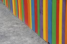 chọn màu sơn hàng rào