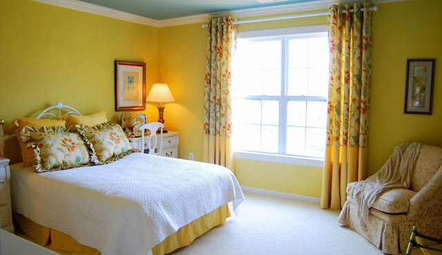 Phòng ngủ ấm áp sắc vàng- Mẫu số 1