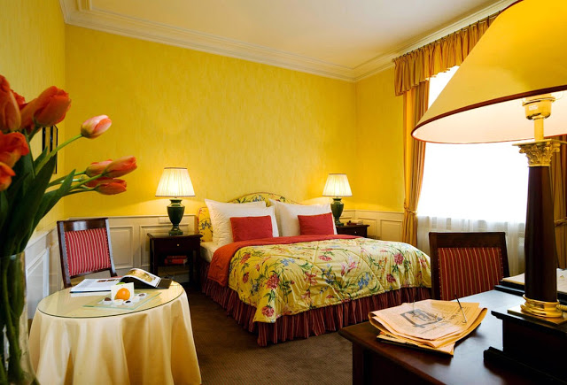 Phòng ngủ ấm áp sắc vàng- Mẫu số 2