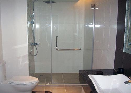 Nhà tắm cửa kính