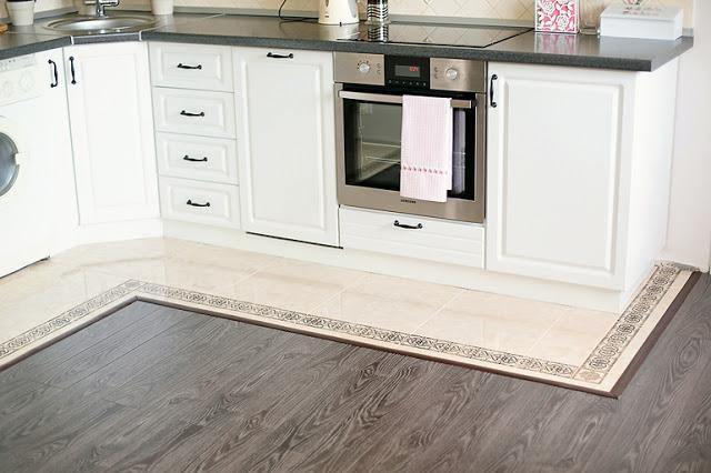 sàn gỗ nhà bếp