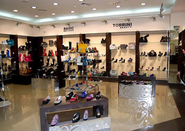 Nội thất shop giày deps phụ kiện nữ