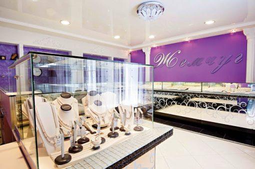 thiet ke showroom3 thi cong noi that showroom va nhung dieu can luu y