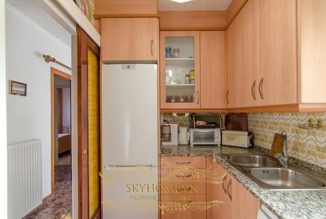 Tủ bếp gỗ laminate - Mẫu số 2