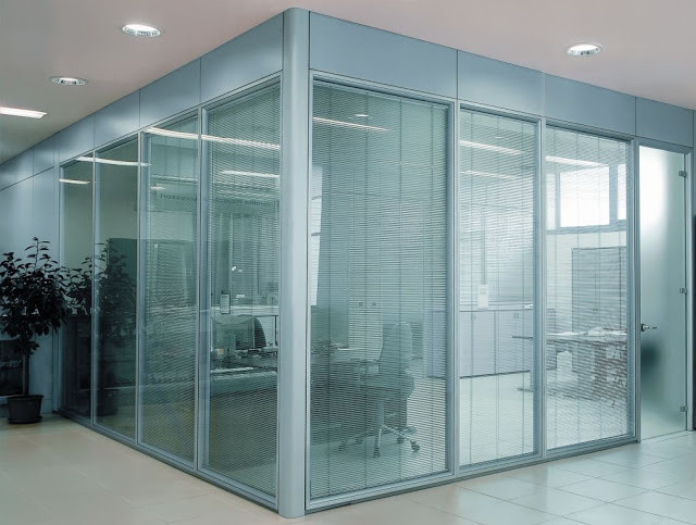 vách kính cường lực văn phòng- mẫu 3