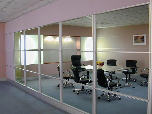 vách kính cường lực văn phòng- mẫu 7