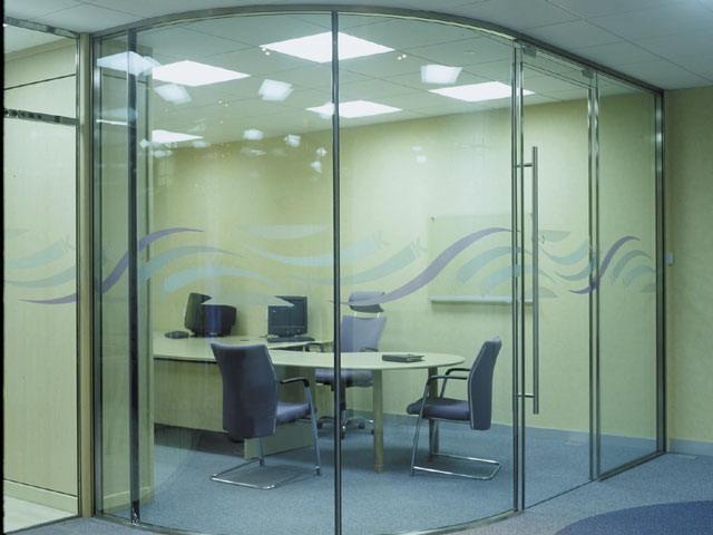 vách kính cường lực văn phòng- mẫu 5