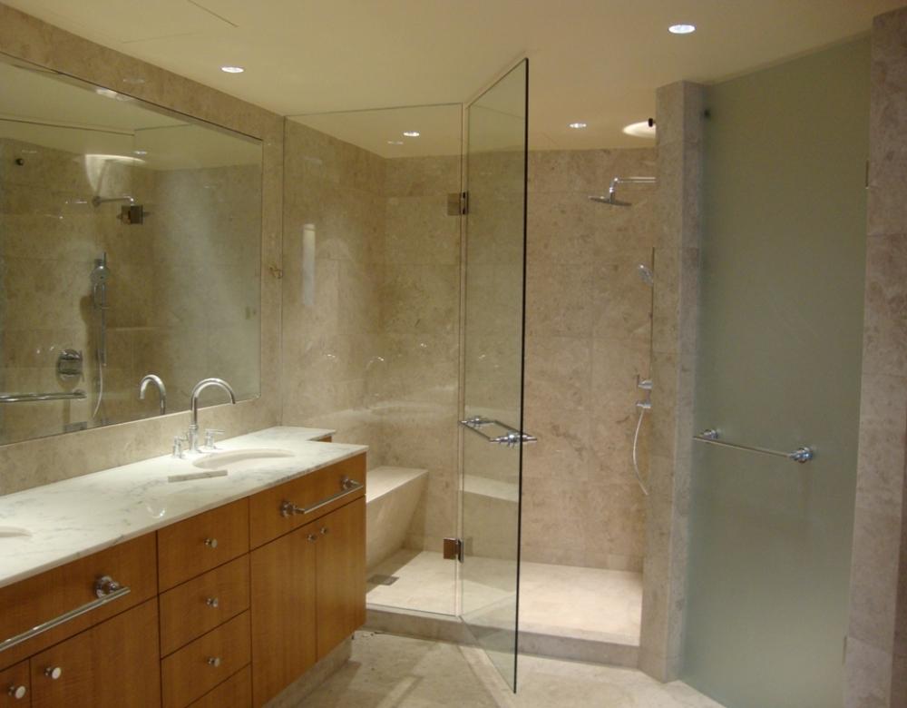 vách tắm kính hiện đại sang trọng